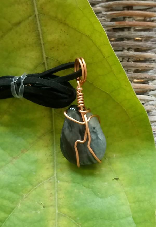 Pendentif en cuivre et oeil de chat-boutiquecarioca.com